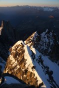 Innominata ridge (D+:5c:M2 3220m), Mt Blanc 3