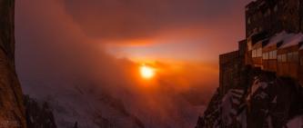 Coucher de soleil depuis l'Aiguille du Midi, un beau cadre pour travailler!! Chamonix